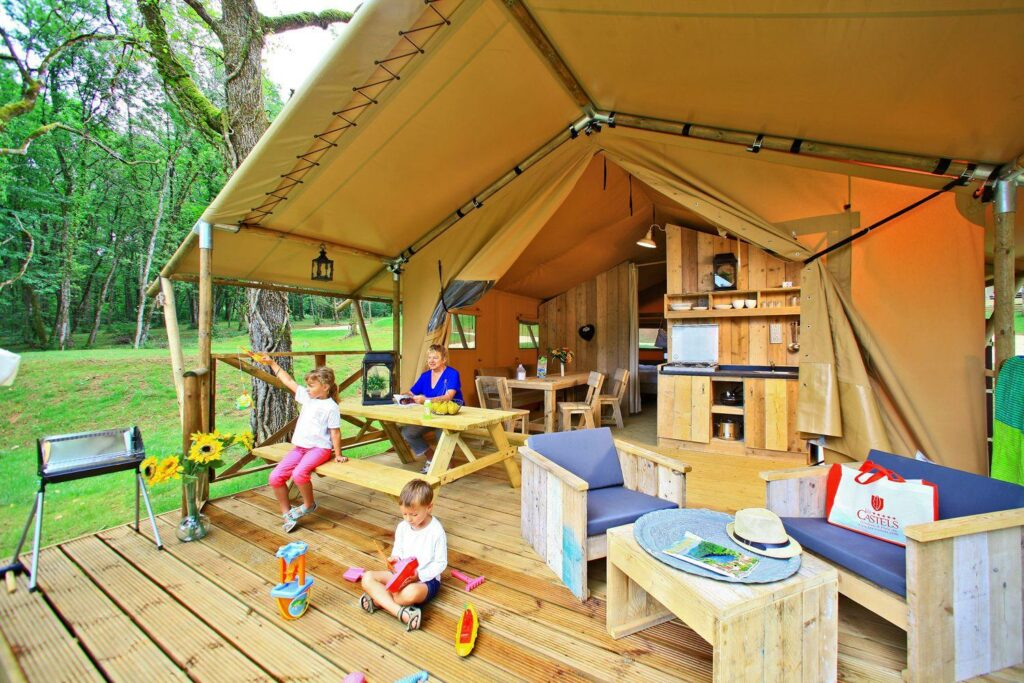 tentes safari insolites au camping Saint Avit Loisirs