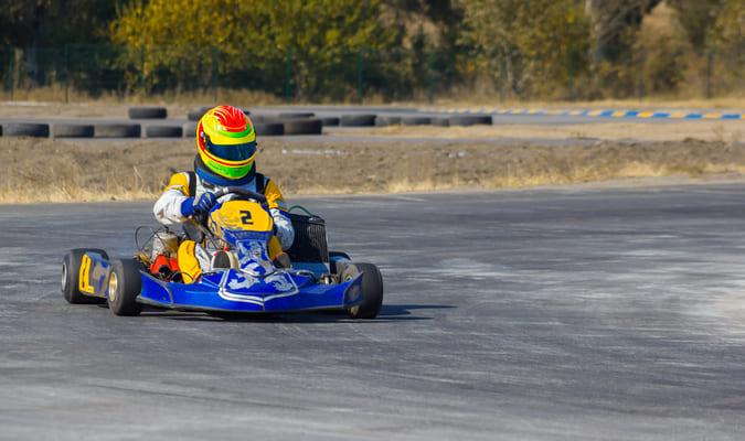 Enfant sur karting
